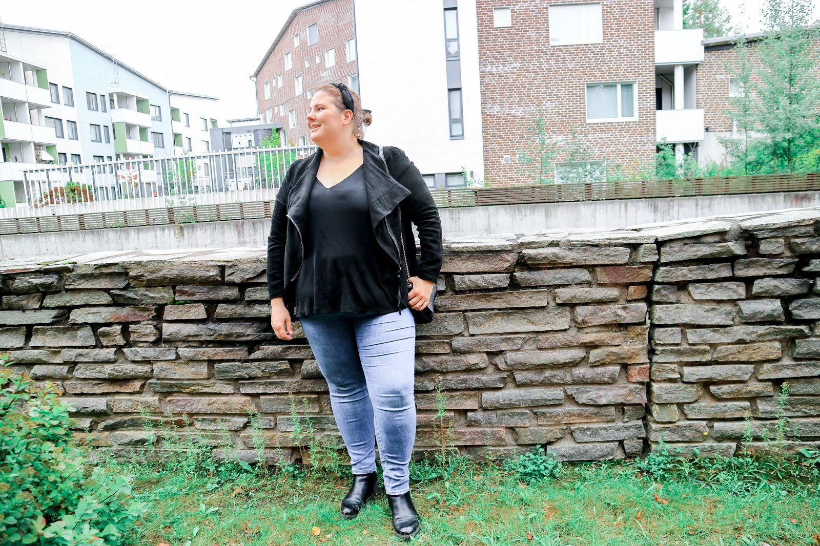Big mamas home by Jenni S. Mokkanahkatakki ja lempitoppi
