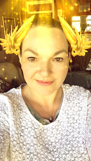 Mandy Charlton, Snap Chat Photo, Looking like a sparkly angel