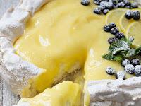 Lemon Curd Pavlova