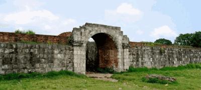 Istana Keraton Surosowan Banten