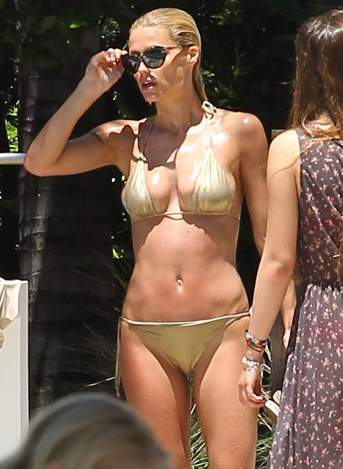 Swanepoel bikini candice gold