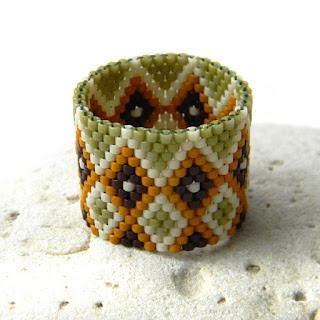 Купить широкое кольцо из бисера (с орнаментом)