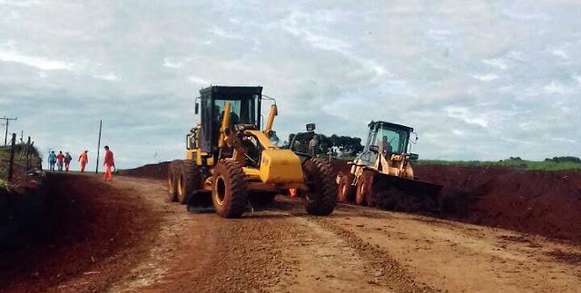 Mato Rico: Após chuvas, estrada é arrumada...