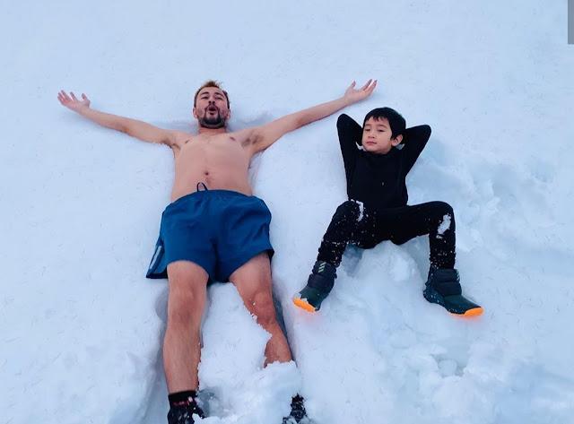 Papah Gokil ! Rafathar Dengan Ayahnya BUGIL Di Salju