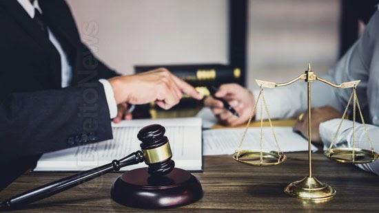 juizes advogados divergem busca apreensao escritorios