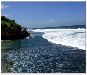 Gambar Pemandangan Pantai Nglolang