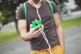 Tip για να μην μπερδεύονται τα ακουστικά του κινητού