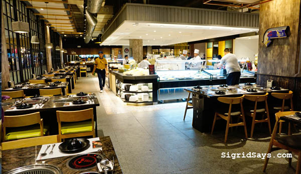 Tong Yang Bacolod - Tong Yang Plus Bacolod - Ayala Capitol Central - staff - servers - eat all you can buffet - Bacolod restaurants- dining tips - shabu shabu - yakiniku - buffet table - restaurant interior