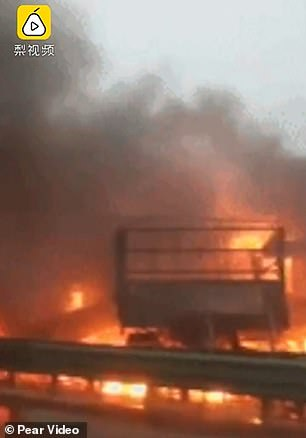 Horror! Huge Fire Erupts On A Chinese Highway As More Than 40 Vehicles Crash (videos) #Arewapublisize