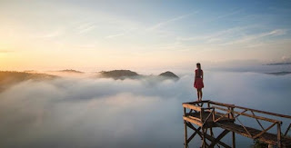 Sunrise Negeri Atas Awan Mangunan - Pantai Parang Tritis + Up Side Down Tour Jogja