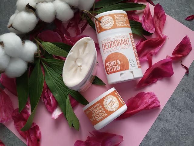 Otvorený DEOGUARD®: dezodorant s vôňou pivonky a kvetu bavlny