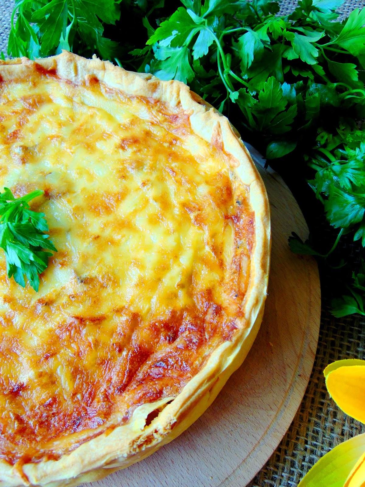 Tarta-aperitiv-cu-sunca-ciuperci-si-cascaval 1