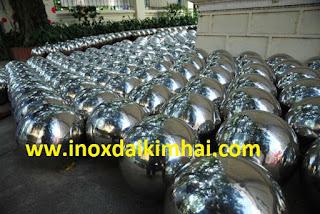 trien lam Yayoi Kusama 3 Cột cờ inox 304 cao 9m 10 m 11m 12m, cổng xếp inox 304 , cổng xếp sắt không ray kéo tay
