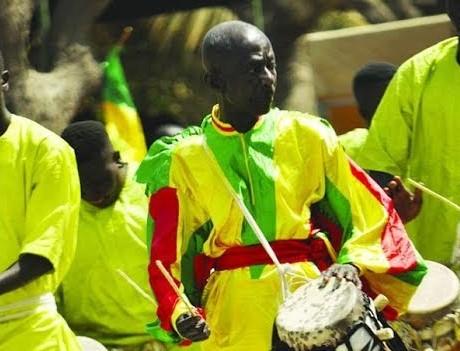 Doudou Ndiaye Rose, un trésor vivant : Culture, tradition, Doudou, Ndiaye, Coumba, Rose, tambour, major, artiste, batteur, animateur, Mathématicien, rythmes, maître, sabar, tambour, chanteur, choral, percussions, majorettes, LEUKSENEGAL, Dakar, Sénégal, Afrique
