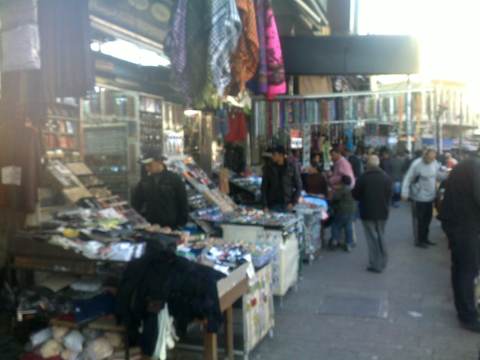 7d397b19ddbb4 تجولت في سوق الخضار في وسط عمان الاردن اصوات وأهازيج وصراخ عجيب وعال جدا