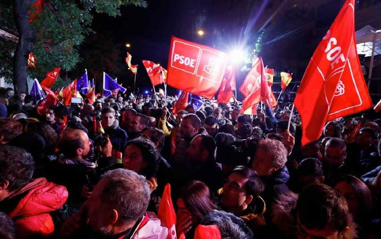 Esquerda histórica e extrema esquerda espanholas comemoram ascensão ao poder
