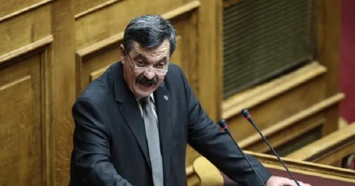 Χρήστος Παππάς o «εγκληματίας» : Οδηγείται στις φυλακές Δομοκού ( Μήνυμα σε ελληνόφωνους: δεν εννοούσα αυτόν )