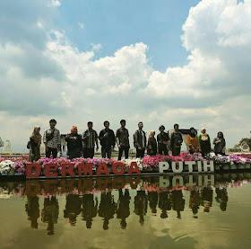 Taman Bunga Celosia Bandungan
