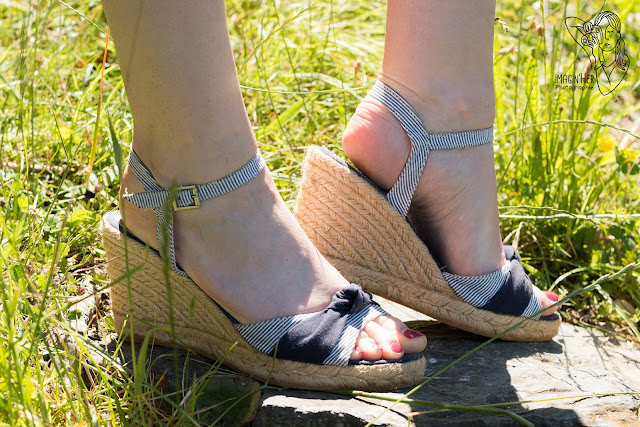 espadrilles-compensees-bleues-blanches