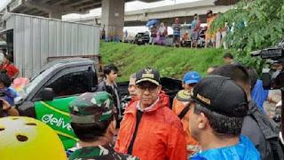 Tinjau Banjir di Kampung Melayu, Gubernur Anies Diprotes Warga : Mana Katanya..