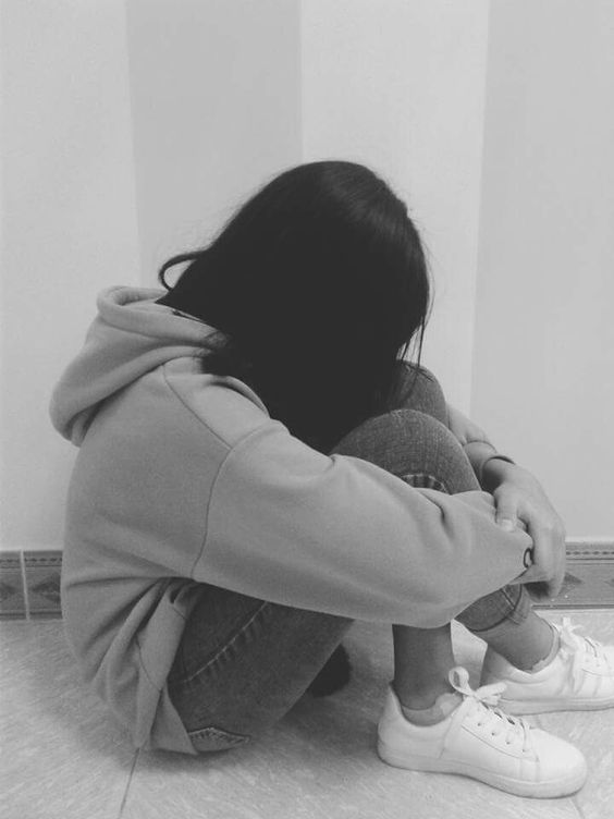 Sad Girl Hide Face Black and White DP