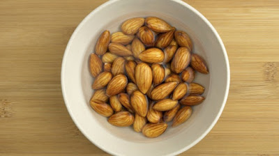 Soaked Almonds Reduces Fat and Bad Cholesterol