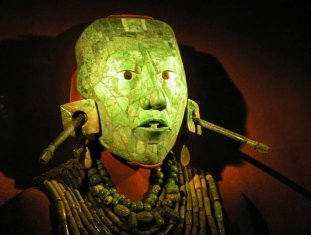 Ritual Mask of Legendary 7th century Maya King Pakal the Great has been unearthed in Mexico  Jade-death-mask-of-Palak