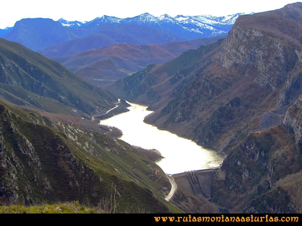 Vista del embalse de Tanes en Asturias