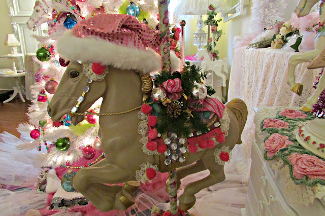 Penny S Vintage Home Carousel Horse Christmas Tree