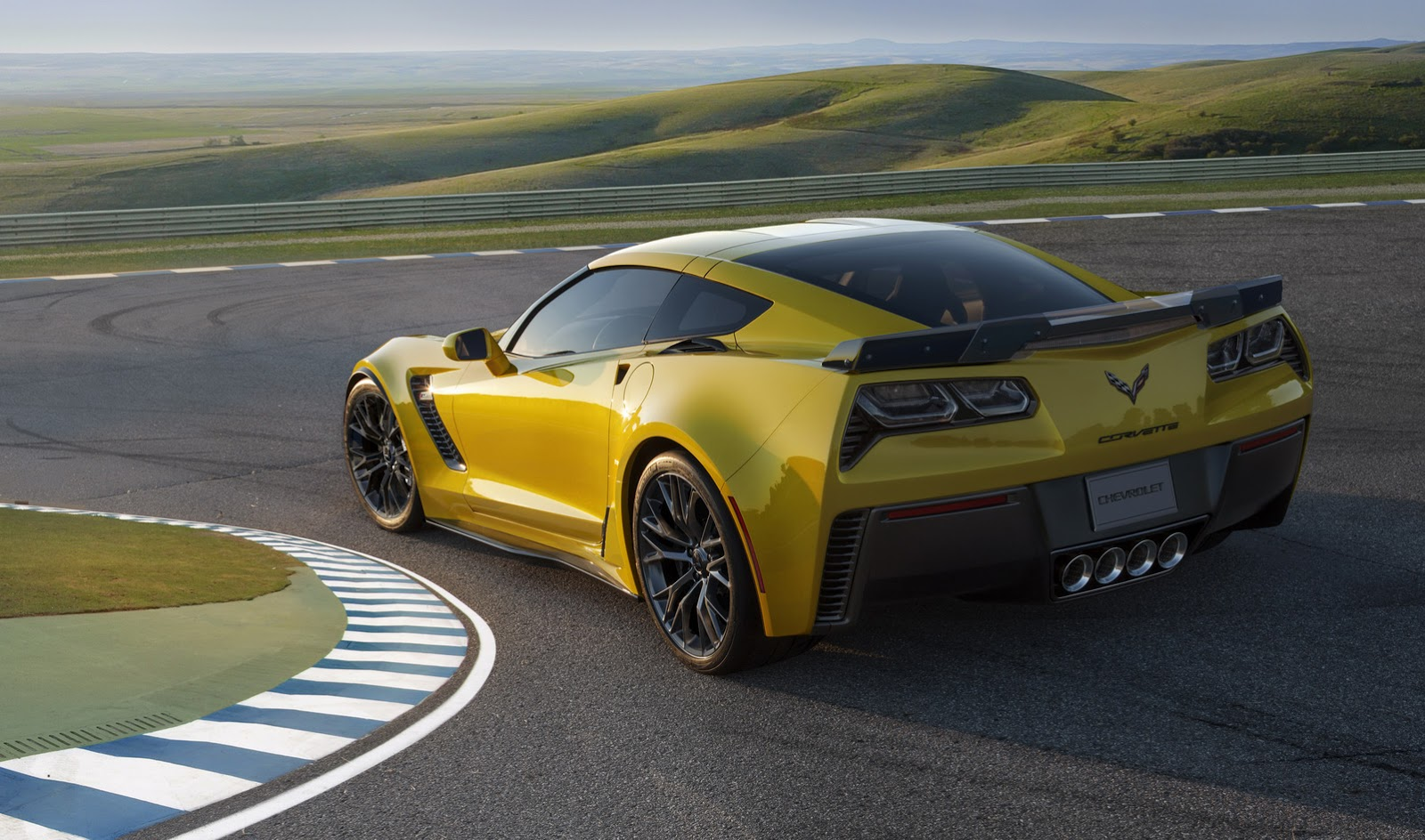 2017 chevrolet corvette z06 gets host of cooling improvements carscoops. Black Bedroom Furniture Sets. Home Design Ideas