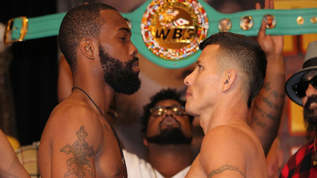 Gary Russell stops Oscar Escandon to keep featherweight crown