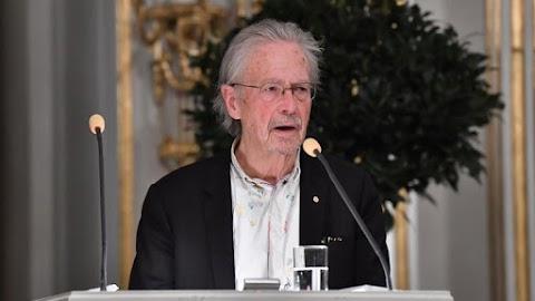 Horvátország és Bosznia-Hercegovina is bojkottálja a Nobel-díj átadását Peter Handke kitüntetése miatt
