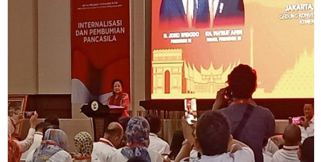 Megawati Ajak Orang yang Ingin Mendirikan Negara Khilafah Datang ke DPR untuk Bersuara