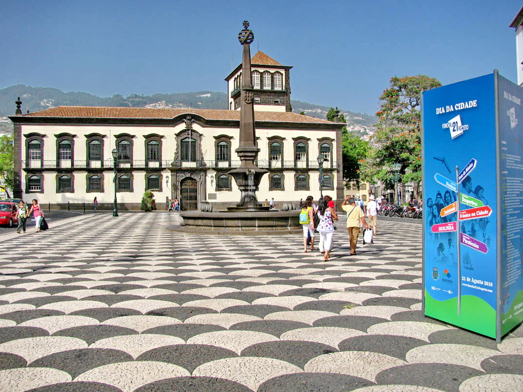 Funchal city celebrates today its 502 years