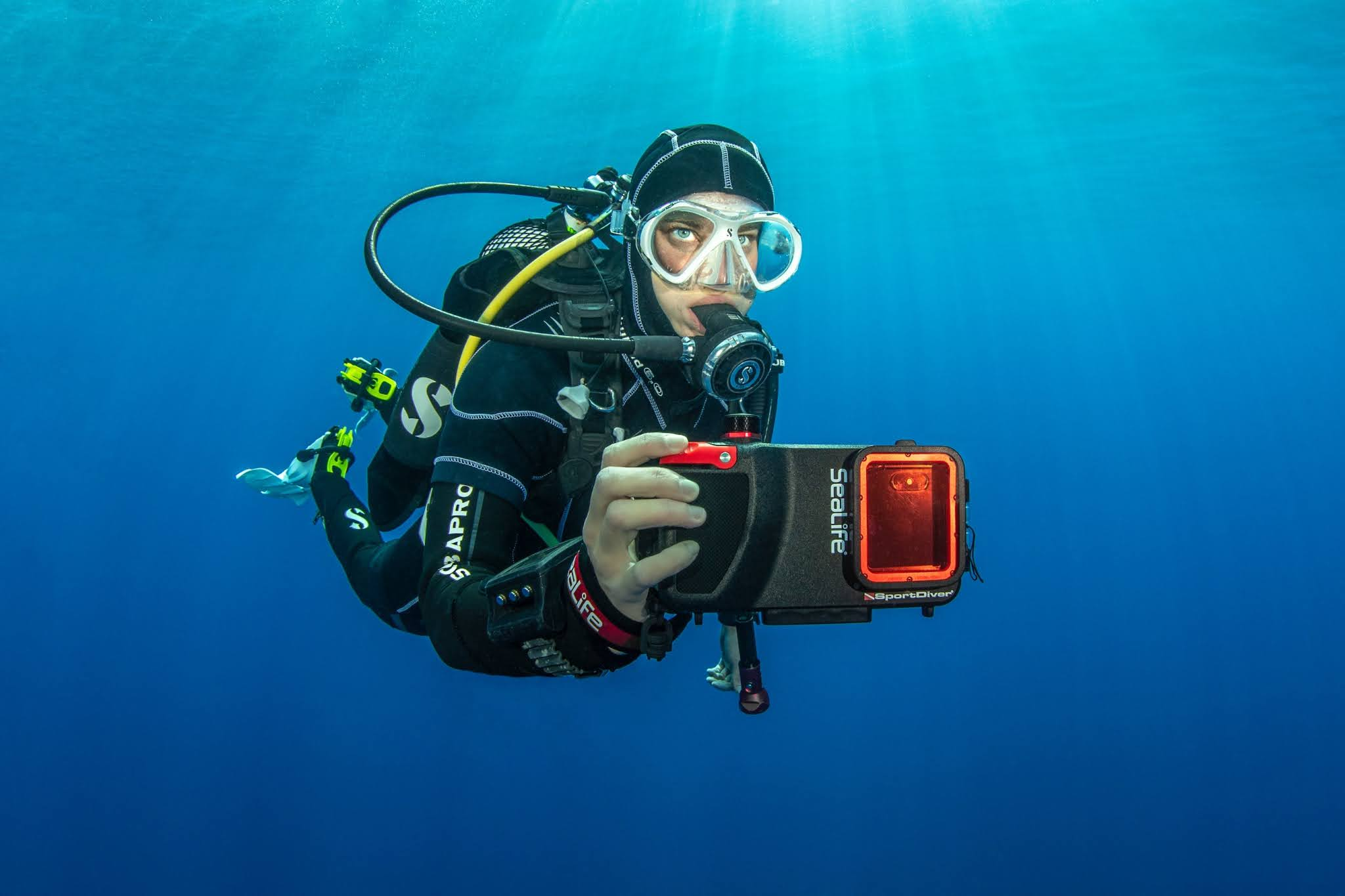 SeaLife Launches New Android App for Popular SportDiver Smartphone Underwater Housing