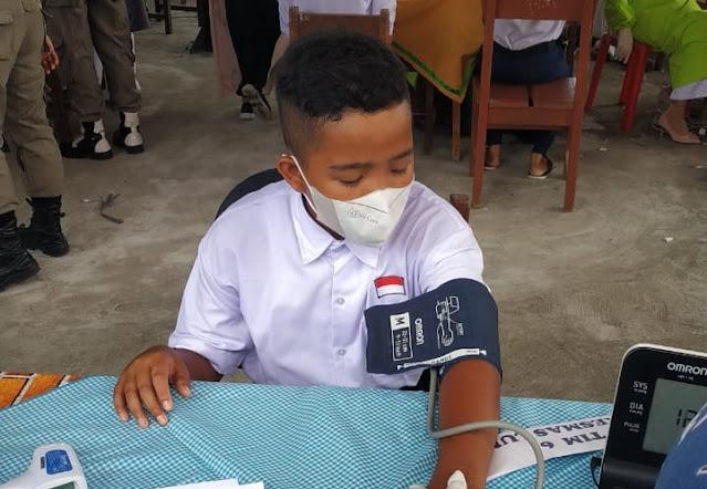 Vaksinasi Pelajar Seluruh Indonesia di MAN N 2 Painan Pesisir Selatan.lelemuku.com.jpg