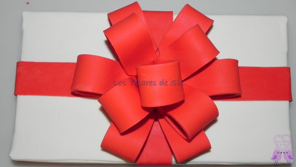 Lazo de fondant y tapa caja regalo - Lazos grandes para decorar ...
