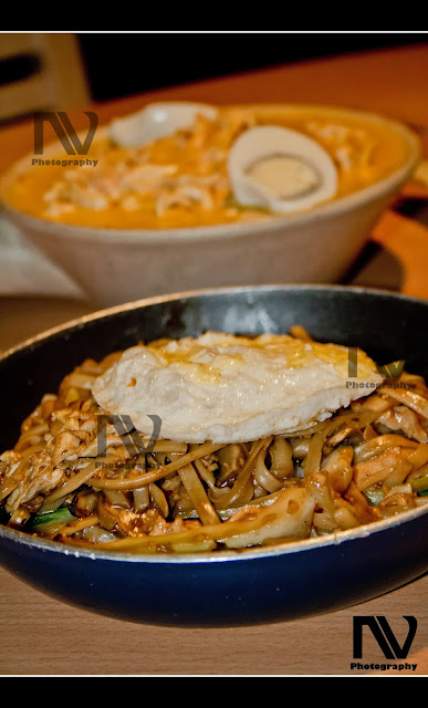 Khaousay and Yaki Udon