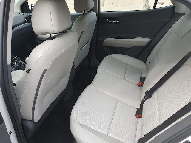 Hyundai HB20S (Sedã) 2020 - interior - espaço traseiro