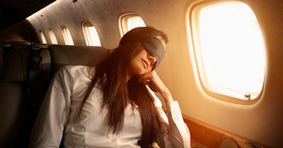 7 Cara agar Cepat Tidur di Pesawat