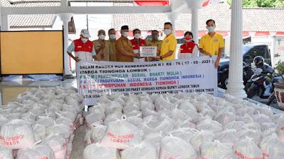 Bupati Sukiman Terima Bantuan Ratusan Paket Sembako dari Komunitas Masyarakat Tionghoa