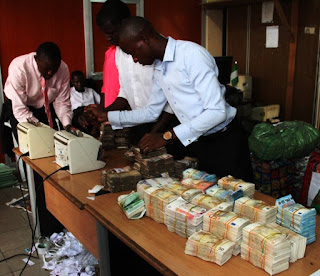 EFCC recovers loot in dollars and pounds