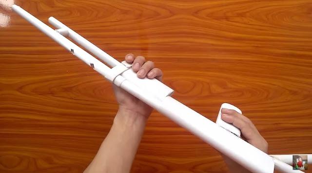 Cách làm súng shotgun giấy bắn đạn dây chun 6