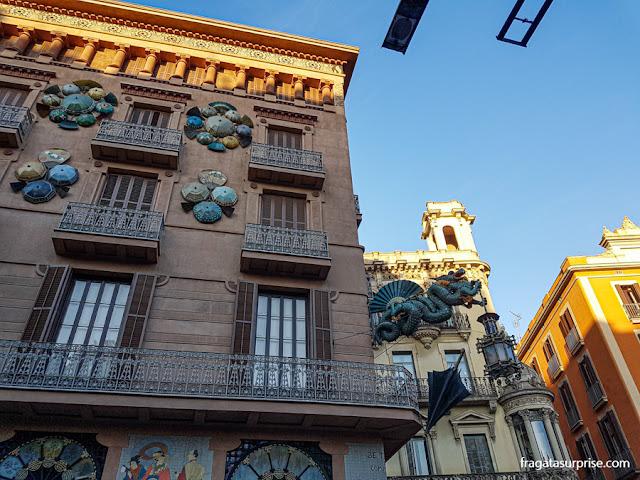Modernismo nas Ramblas de Barcelona: Casa Bruno Cuadros ou Casa dos Guarda-Chuvas