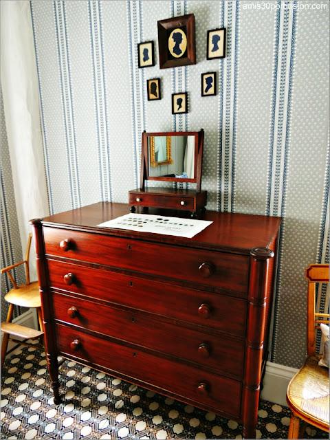 Muebles del Dormitorio de Elizabeth en la Mansión Ropes, Salem
