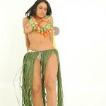 Andrea Rincon, Selena Spice Galeria 13: Hawaiana Camiseta Amarilla Foto 98