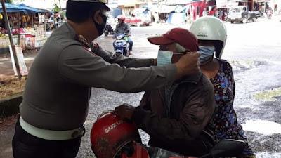 Operasi Zebra 2020, Satlantas Polres Bone Bagikan Masker