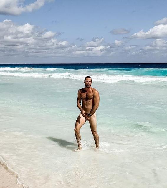 Sebastian rulli desnudo
