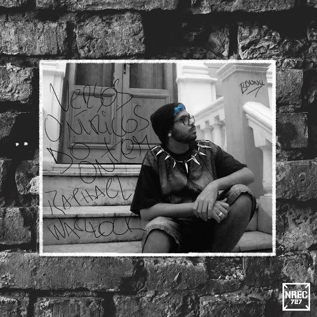 """Raphael Warlock, MC assumidamente gay, lança o seu segundo álbum de estúdio, """"Versos Oníricos do Ontem"""""""