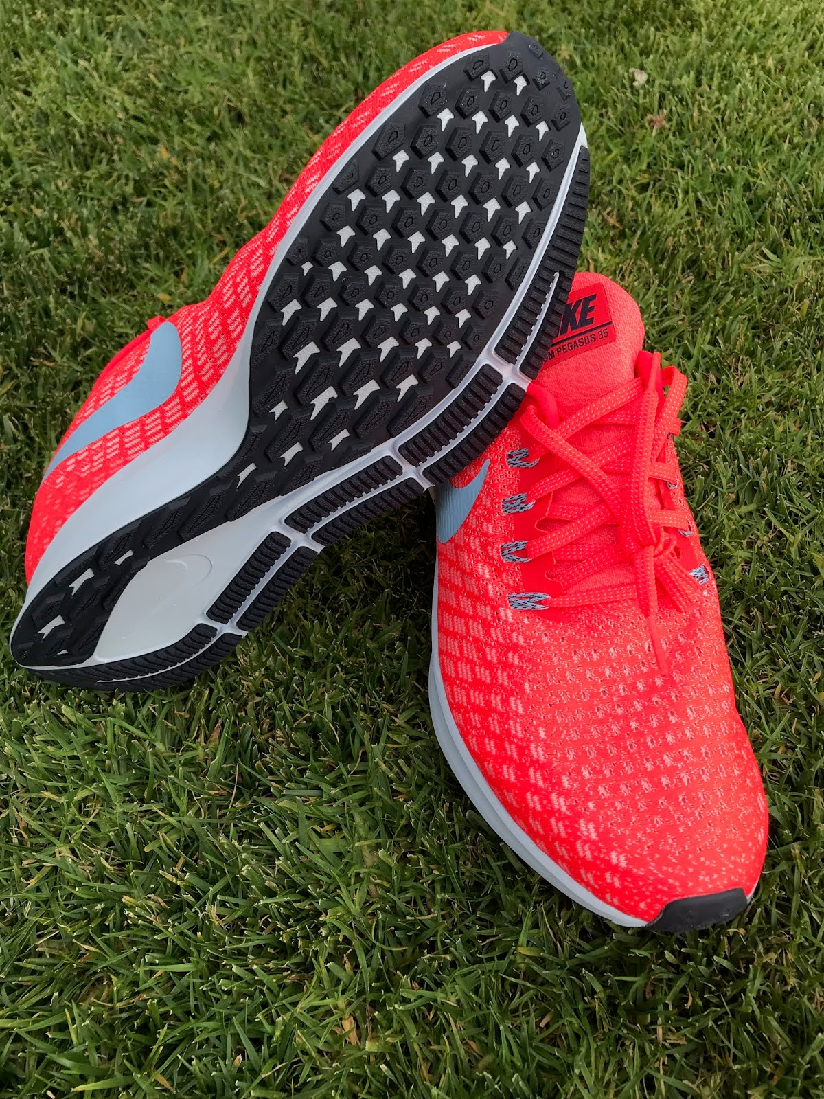 on sale 58ba1 c6e44 The Pegasus 35 has rekindled my love for the Pegasus line. They are a silky  smooth and very comfortable daily trainer. I had started to feel that the  older ...